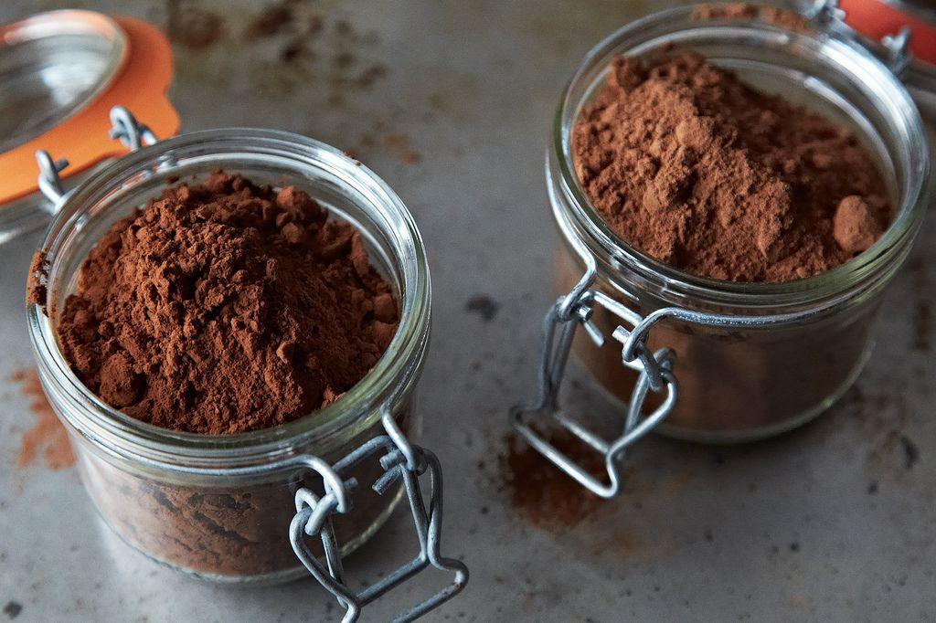 تفاوت پودر کاکائو آلکالایز و نچرال (Natural & Alkalized)